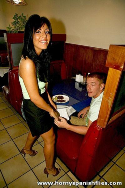 Секс с официанткой